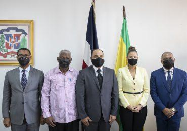 Dirección de Prisiones dialoga con Defensor del Pueblo sobre condiciones de internos