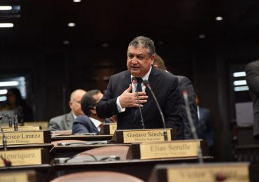 Diputado Gustavo Sánchez se disculpa con Yeni Berenice y Camacho