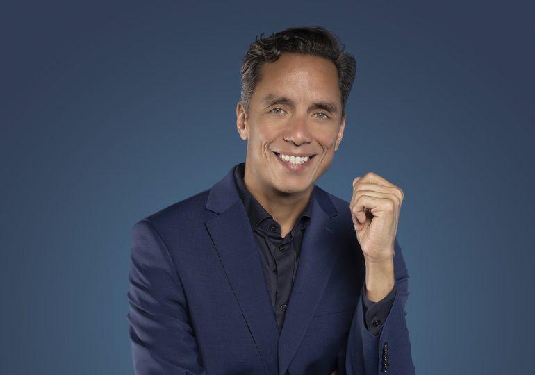 Anthony Álvarez le canta a Las 4 Estaciones