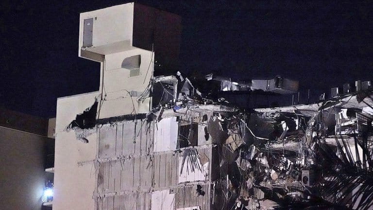 Se derrumba un edificio residencial en Miami: al menos un muerto y varios heridos