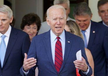 Biden anuncia acuerdo sobre infraestructura tras reunión con senadores