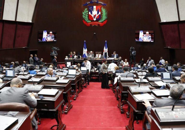 Proyecto Código Penal aprobado por diputados mantiene penalización del aborto