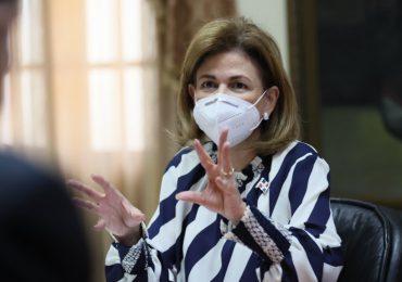 Raquel Peña confirma llegada de otro millón de vacuna Sinovac