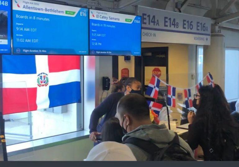 Mitur inaugura vuelo Charlotte-Samaná con una ocupación de 70%