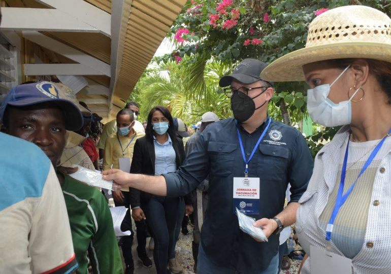 Autoridad Portuaria apoya jornada de vacunación contra Covid19 en La Romana
