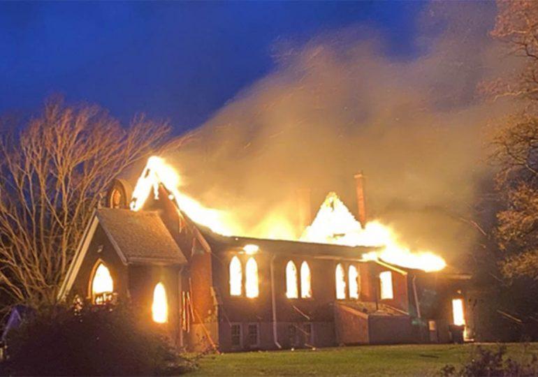 Nuevos incendios en iglesias católicas en territorios autóctonos de Canadá
