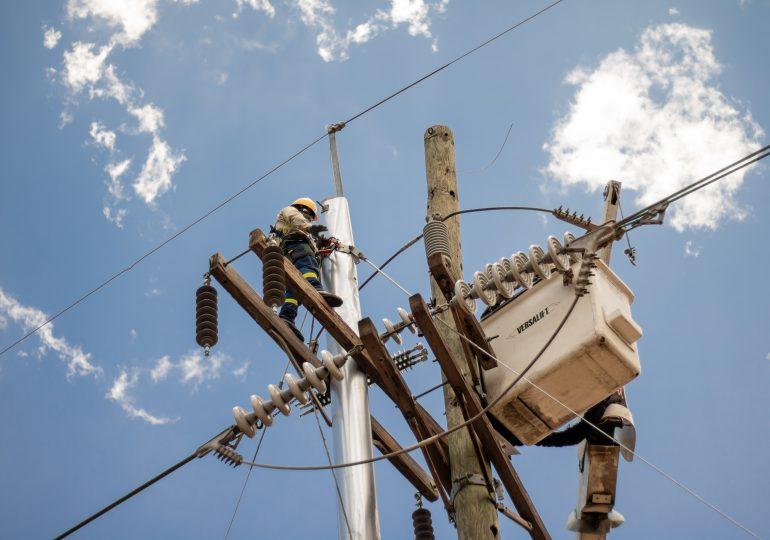 Servicio eléctrico será interrumpido por mantenimiento en líneas de transmisión este fin de semana