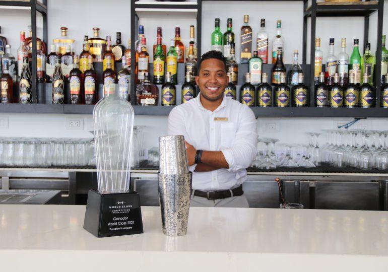 Mixólogo de Meliá Hotels International en la final del Diageo World Class 2021