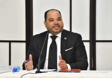 Senado selecciona a Pablo Ulloa como Defensor del Pueblo