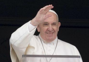 Papa escribe carta de apoyo al jesuita que defiende al colectivo LGBT