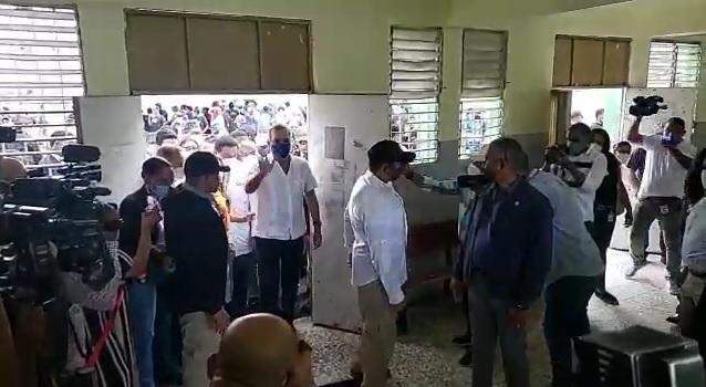 VIDEO | Abinader inicia recorrido por centros de vacunación anticovid de la jornada especial