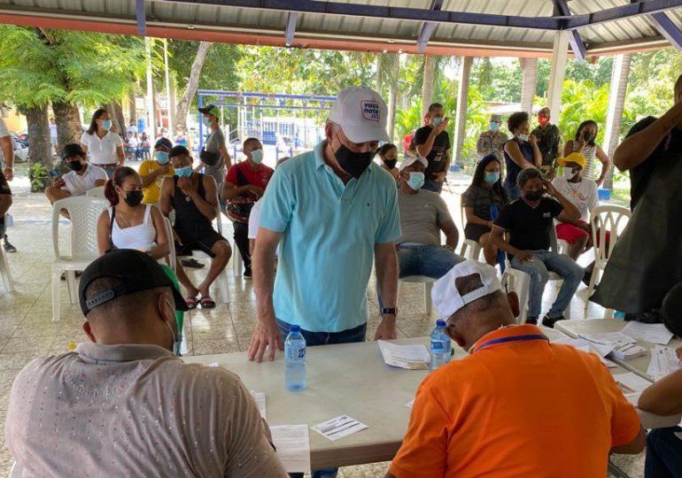 Senador Antonio Taveras recorre centros de vacunación de Santo Domingo Norte y Oeste