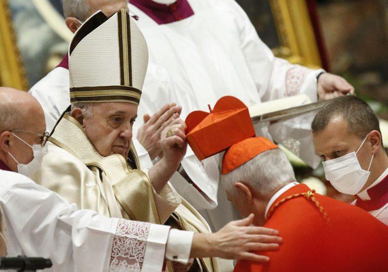Vaticano introduce el delito de pedofilia en el Código de Derecho Canónico