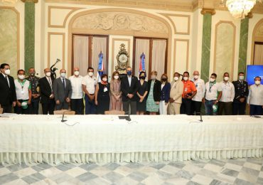 Abinader reconoce labor de rescatistas del Teleférico de Puerto Plata