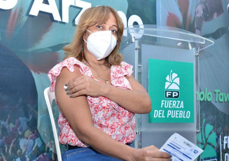 Locales de Fuerza del Pueblo en distintas provincias se unen como centro de vacunación