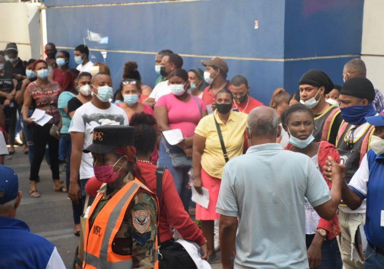 MOPC aumenta apoyo a 27 centros y amplía a 74  lugares de vacunación en SDN