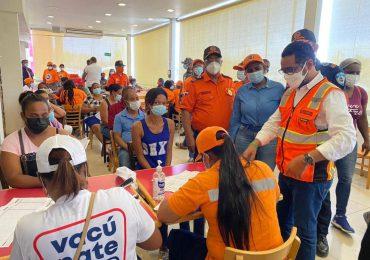 Defensa Civil muestra apoyo a jornada especial de vacunación contra el Covid19