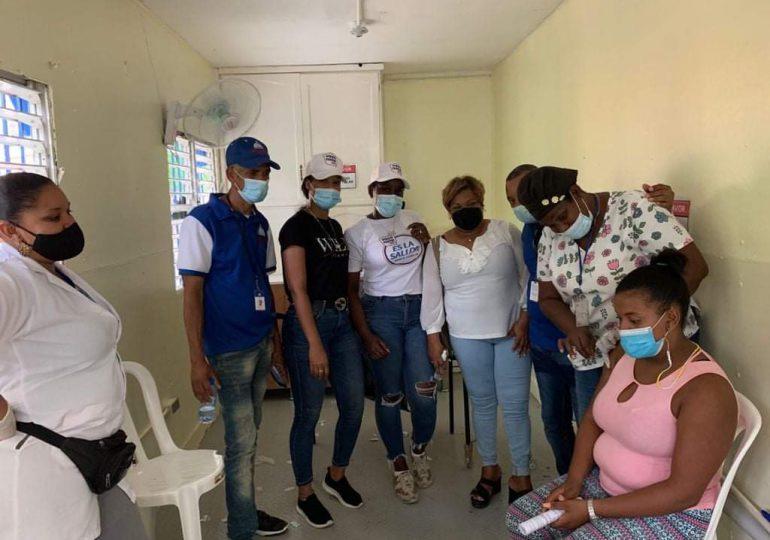 Diputada califica como exitosa jornada de vacunación en SDN y La Victoria