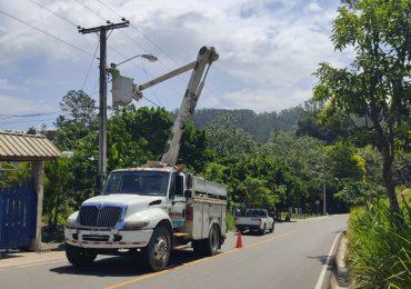 Edenorte ilumina carreteras en Jarabacoa