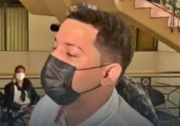 ¿Tres meses o un año? Dudas con coerción a joven acusado de terrorismo por falsa bomba en avión donde viajaba novia