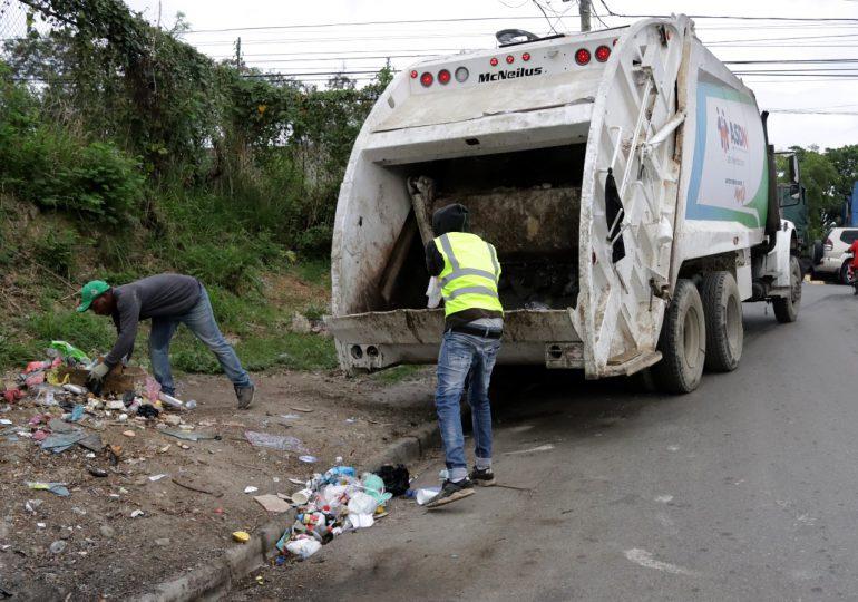 Alcaldía SDN inicia recolección de desechos mediante rutas y frecuencias en barrios de Sabana Perdida