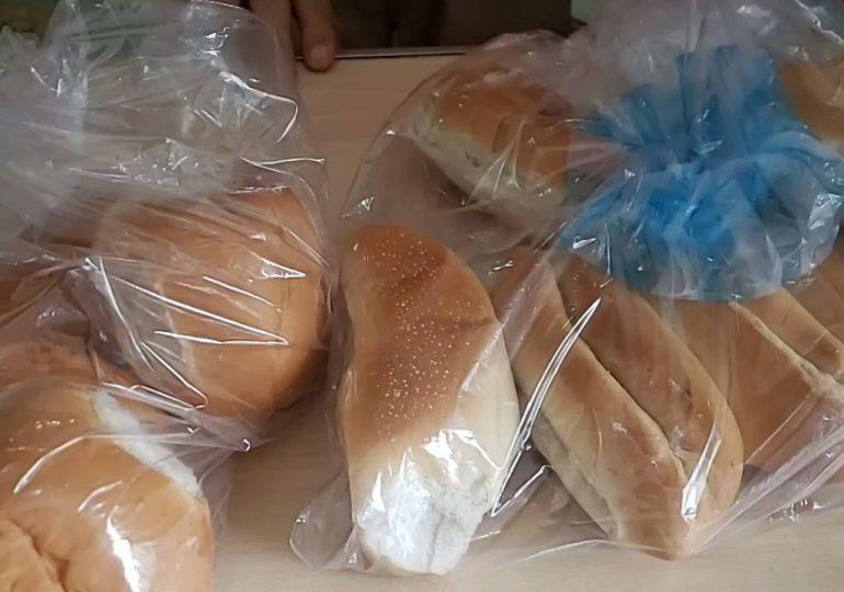 VIDEO | Algunos colmaderos venden los panes a 8 pesos la unidad y a 2x15