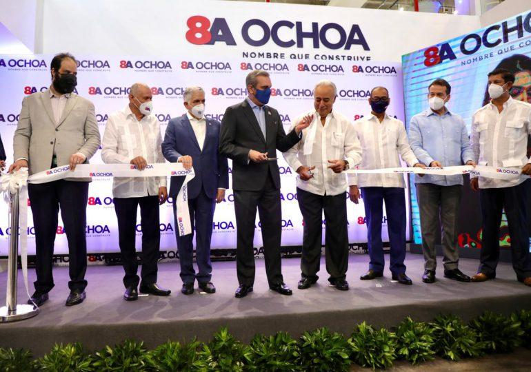Abinader asiste a inauguración de nuevo Centro de Exhibición y Ventas en Santo Domingo