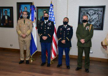 """Condecoran con """"Orden al Mérito Militar"""" a Oficiales Ejército de Estados Unidos de América"""