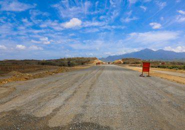 Abinader supervisa trabajos de la circunvalación Baní, tiene una inversión de 2,200 millones de pesos