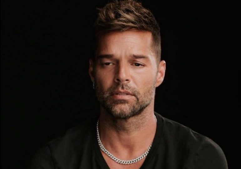 Ricky Martin se desahoga por críticas que recibió en la foto junto a su pareja