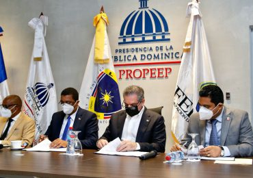 Neney Cabrera anuncia Gobierno asumirá costo seguro de salud de 156 mil trabajadores municipales