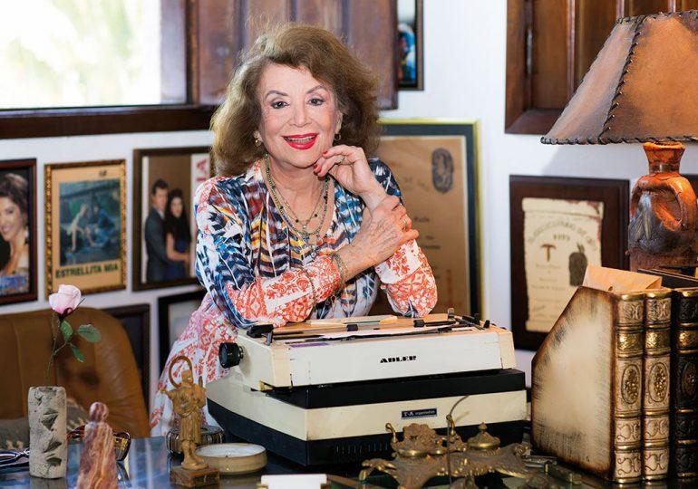 Muere escritora Delia Fiallo a los 96 años