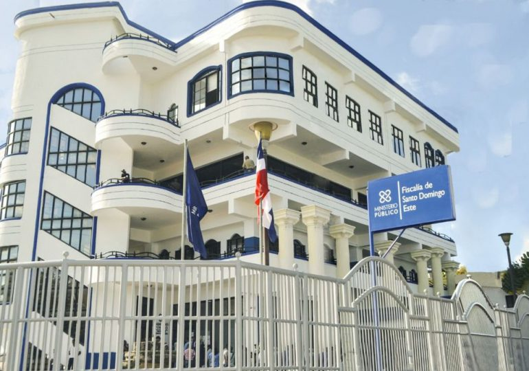 Condenan a 15 años de prisión a hombre que le cercenó una mano a otro en Villa Mella