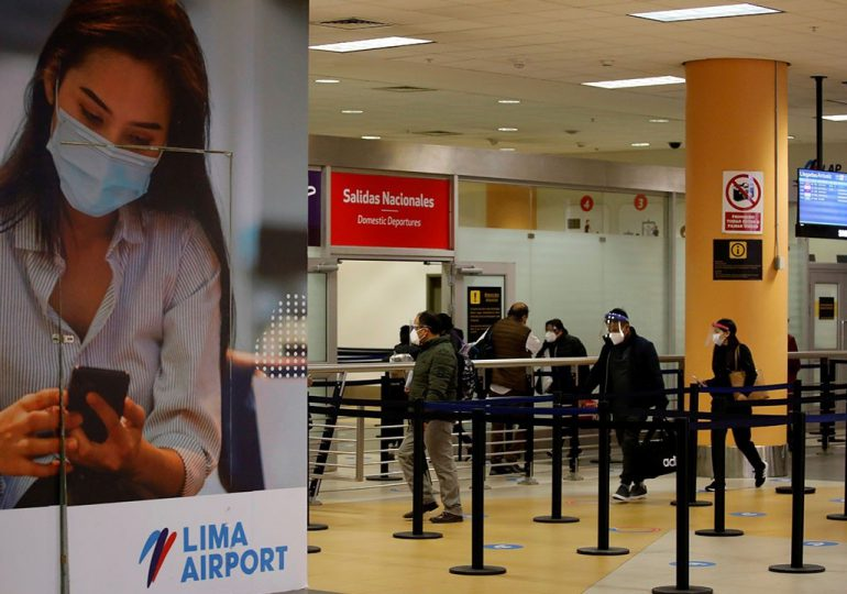 Perú prorroga suspensión de vuelos desde Brasil, Sudáfrica e India