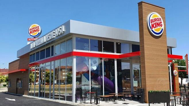 Burger King se convierte en centro de vacunación y ofrecerá helados gratis a vacunados