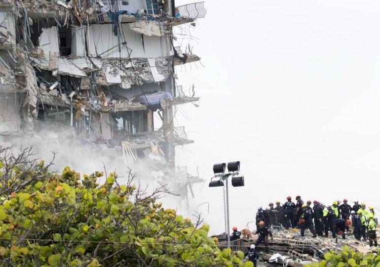 Buscan sobrevivientes tras derrumbe en Florida que deja cuatro muertos y 159 desaparecidos