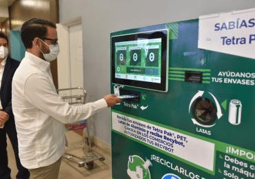 Tetra Pak®, Aerodom y Terpel instalan máquina receptora de envases en el AILA