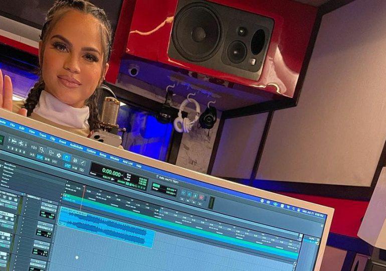 Natti Natasha regresa al estudio de grabación para terminar su nuevo disco