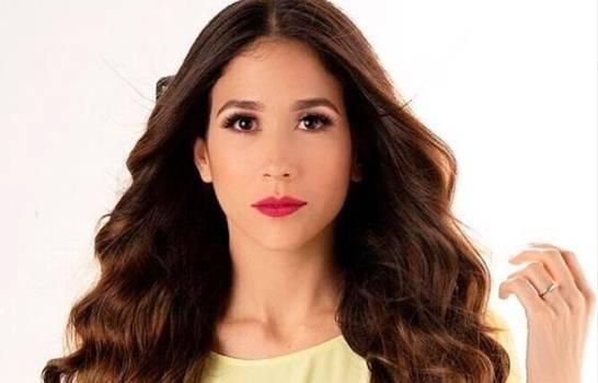Premios Soberano   Nahiony Reyes gana su primera estatuilla, es la presentadora del año