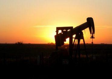 Petróleo cierra en máximos desde 2018