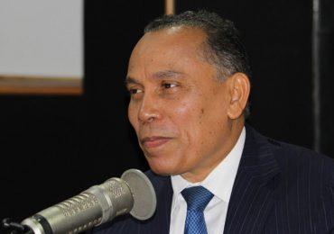 Radhamés Jiménez dice no es productivo desarmar civiles cuando delincuentes seguirán armados