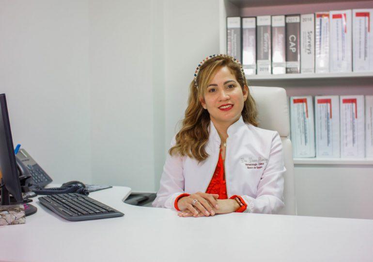 VIDEO | Hematóloga recomienda donar sangre 14 días después de vacunarse con Sinovac y AstraZeneca