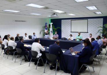 Medio Ambiente dialoga con agricultores de San José de Ocoa sobre resolución que ordena rescate de Valle Nuevo