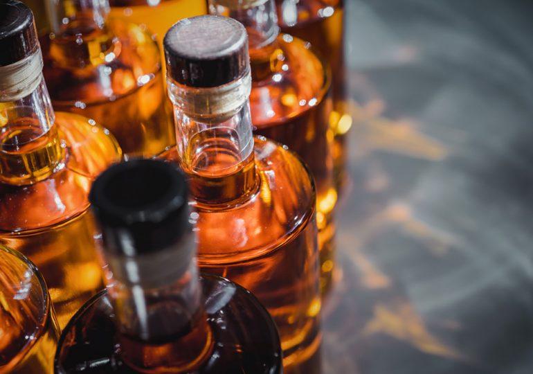 La clave para frenar el comercio ilícito de alcohol puede estar en las alianzas público-privadas