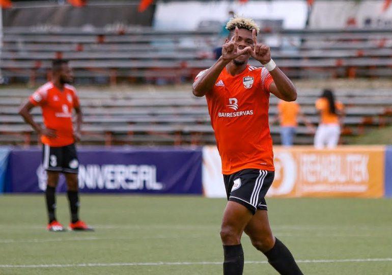 Cibao FC golea 3-0 a SC y sigue subido en el palo