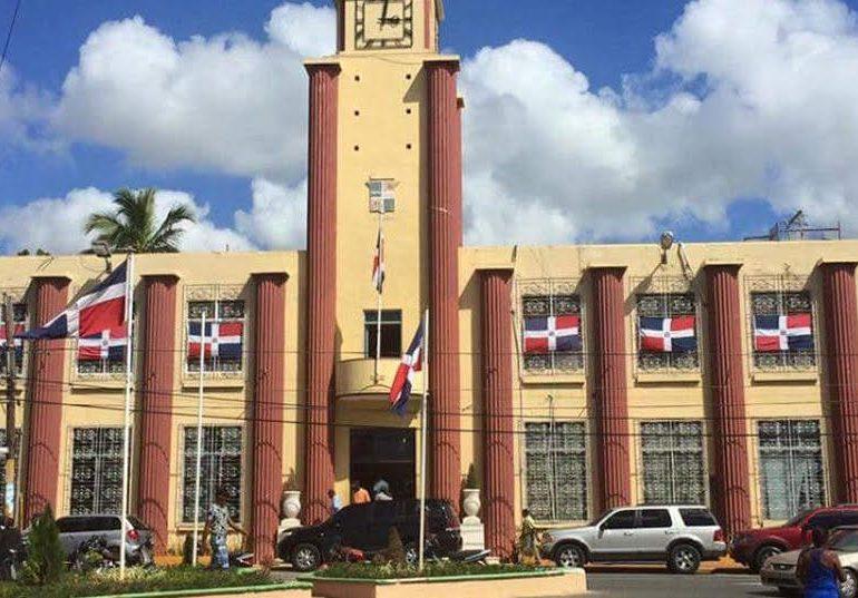DGCP anula contratación para recogida de basura entre el Ayuntamiento de La Romana y Urbaluz