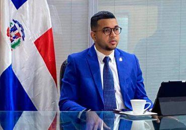 Viceministro de la Juventud sostiene El Alfa es más influyente que Juan Luis Guerra