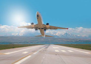 """Un vuelo de EEUU fue desviado cuando un hombre amenazó con """"derribar el avión"""""""