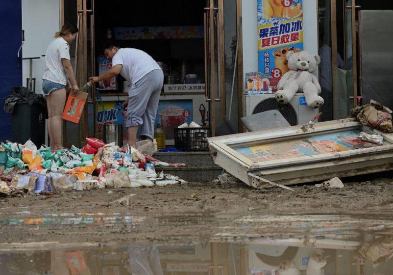 China se prepara para tifón In-Fa mientras limpia daños de las inundaciones