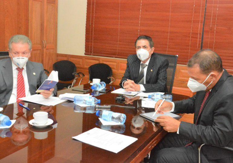 Comisión especial del Senado recibe al director del DNI sobre proyecto que crea Dirección Nacional de Inteligencia